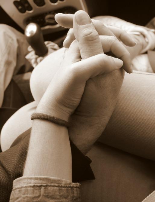 hands-113176_1280