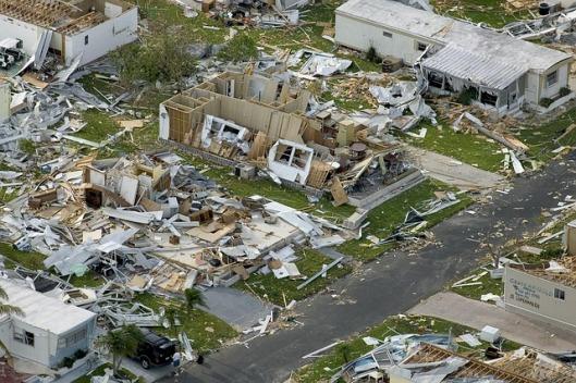 hurricane-destruction-63005_640
