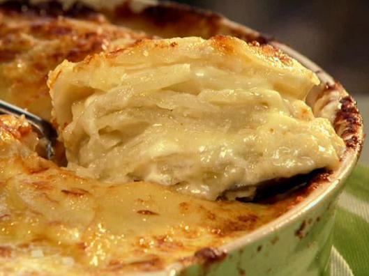 NY1012H_cheesy-potato-casserole_s4x3_lg