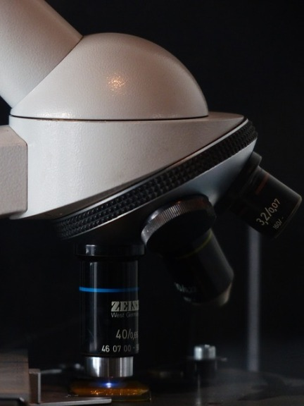 microscope-113349_640