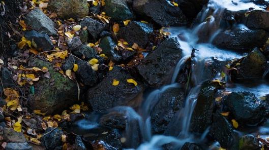 waterfall-142636_640