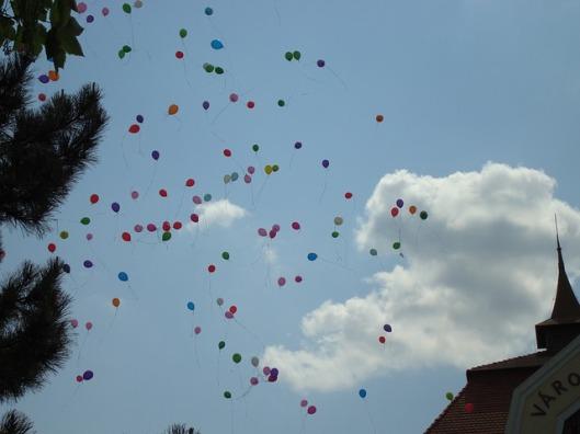 balloons-79190_640
