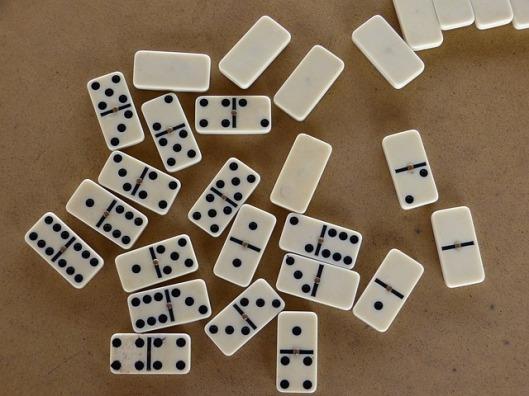 domino-65136_640