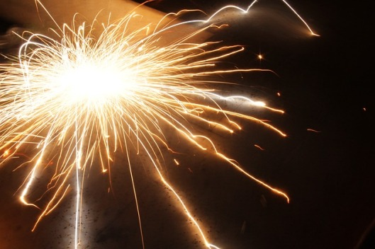 sparks-170110_640
