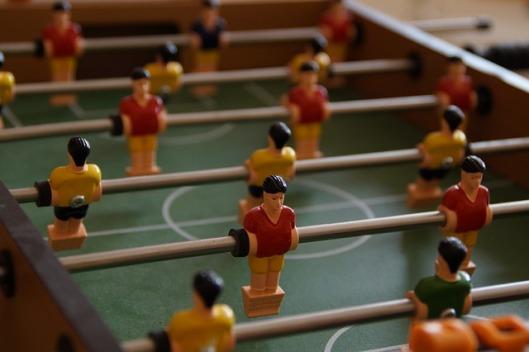 foosball-table-189846_640