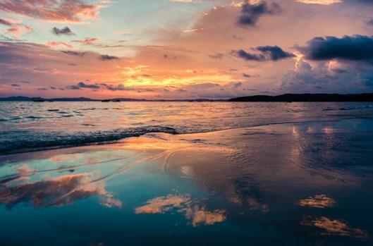 the-beach-1893714_640