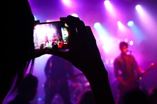 live-music-2219036_640