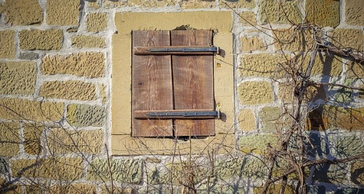 old-window-2696834_640