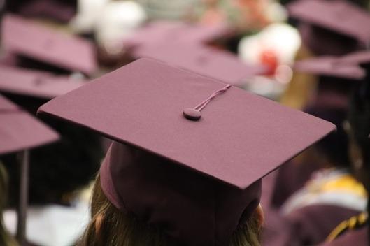 graduation-cap-3430710_640